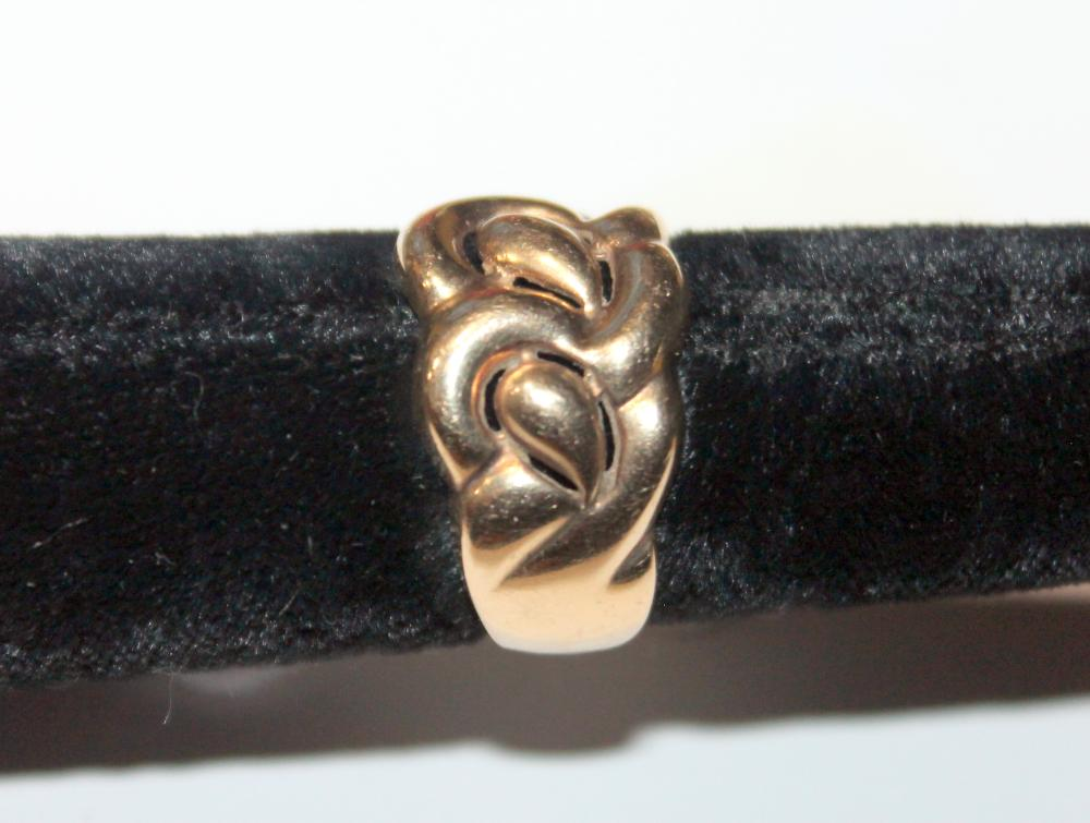 JEWELRY - 10K GOLD TWIST BAND RING