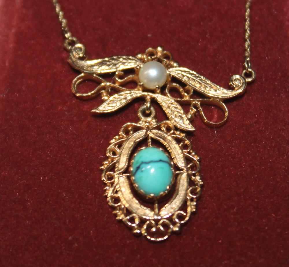 JEWELRY -  PEARL & TURQUOISE NECKLACE