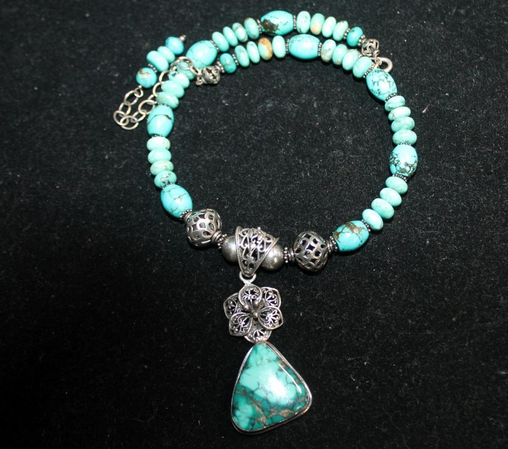 JEWELRY - TURQUOISE & STERLING NECKLACE