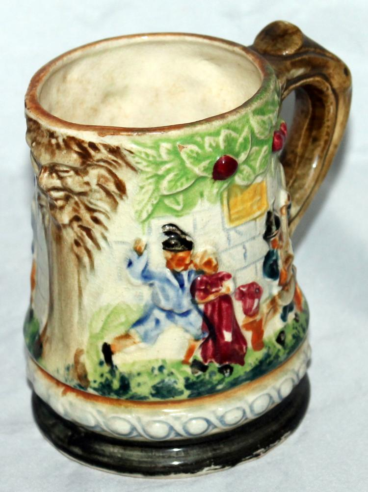dating roseville pottery Dating roseville pottery - antique mccoy pottery the mccoy pottery company has a long and interesting history online priceguide for pottery and toys, hull pottery, roseville pottery, shawnee pottery, marx datinf, corgi toys, parker brothers daring, milton bradley games.