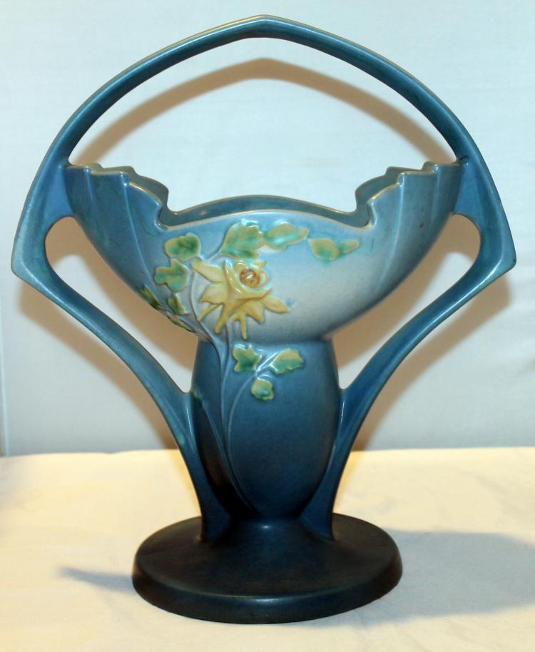 "Roseville Pottery Columbine Basket #368-12"" USA"
