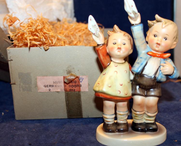 1950 M.I. Hummel Auf Wiedersehen Figurine HUM 153/0 In Original Box