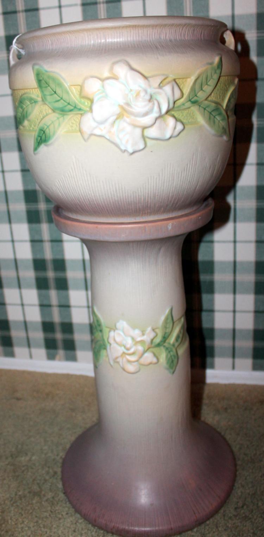 "Roseville Pottery Gardenia Jardinière and Pedestal #602-8"" USA"