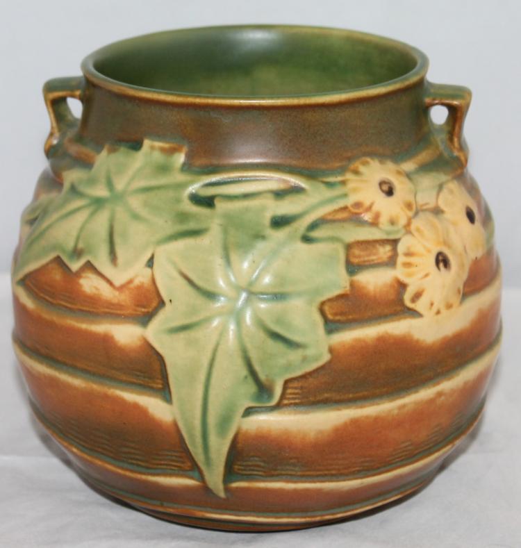 "Roseville Pottery Luffa Vase #255-6"" USA"
