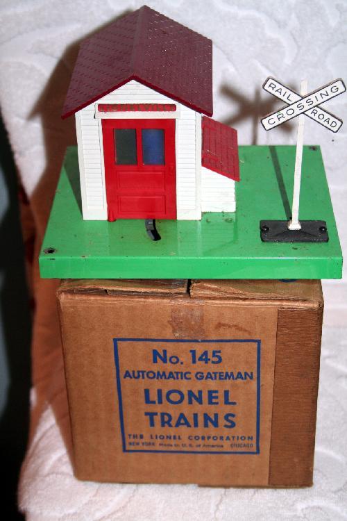 Lionel Trains Automatic Gateman No. 145 Mint In Mint Box