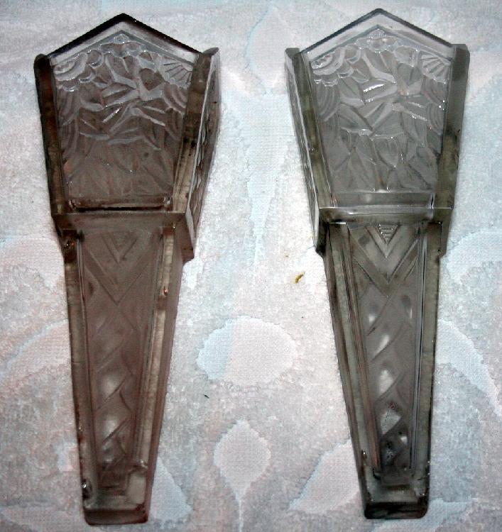 Set Of 2 Veronidia Coach Car Glass Flower Vases c1920's