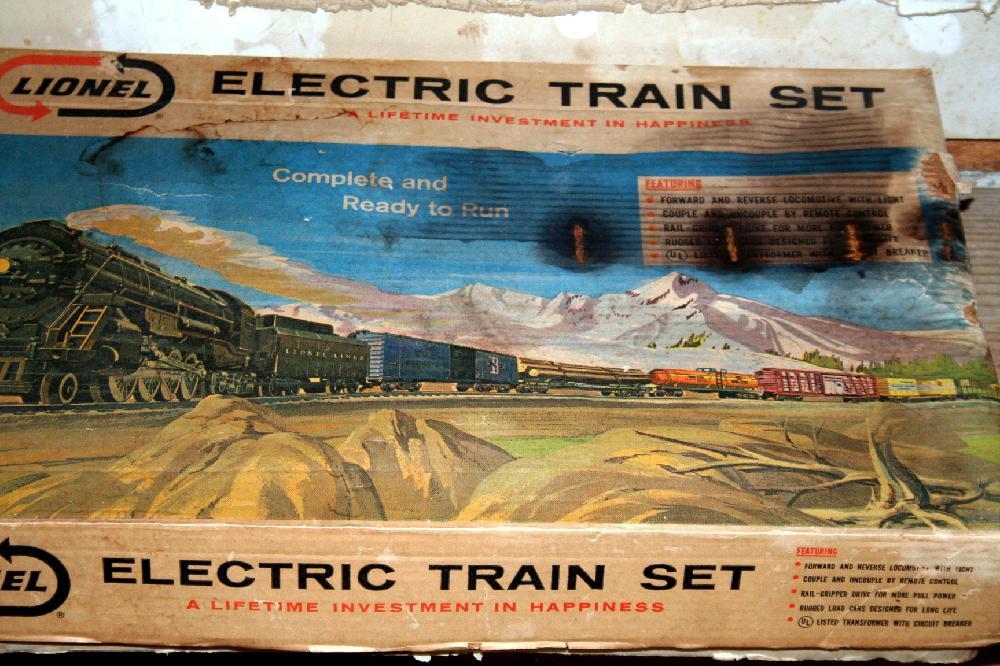 Lionel Electric Train Set In Original Box