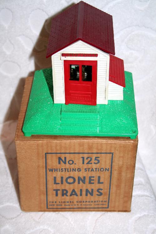 Lionel Trains Whistling Station No. 125