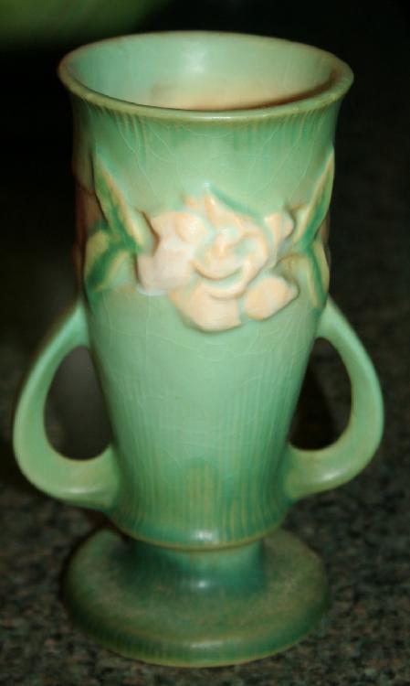 "Vintage Roseville Pottery Gardenia Vase #682-6"" USA"