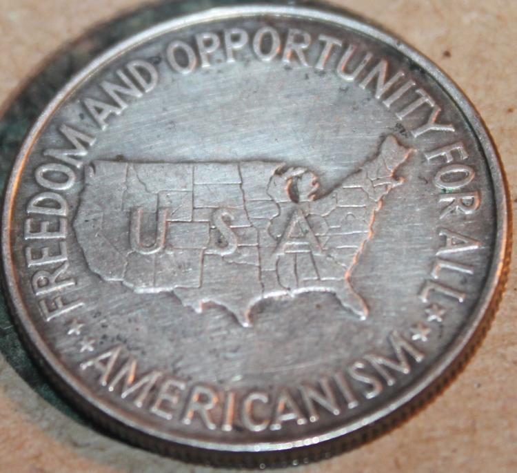 Lot 128: 1952 George Washington Carver Commemorative Silver Half Dollar Coin EF-40