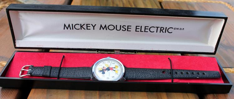 1960's Mickey Mouse Electric Wrist Watch In Original Box
