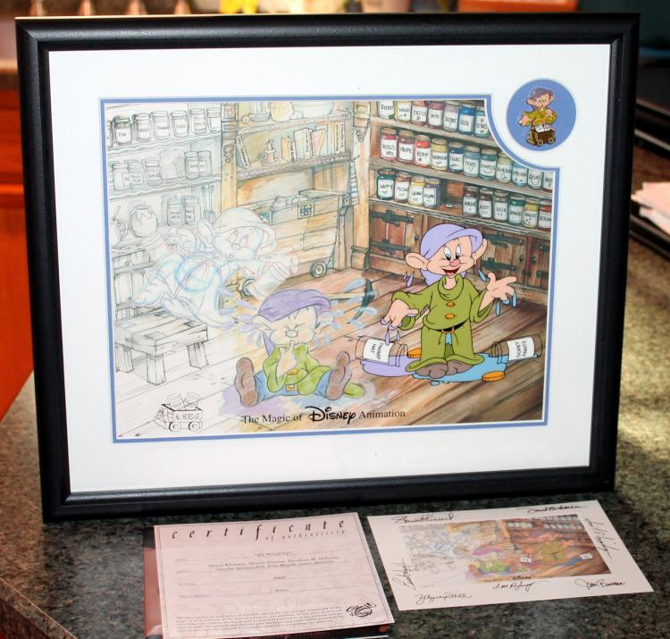 """Walt Disney 2005 Framed  """"All Mixed Up"""" Sericel With Dopey Pin Plus Artist Signed Postcard"""