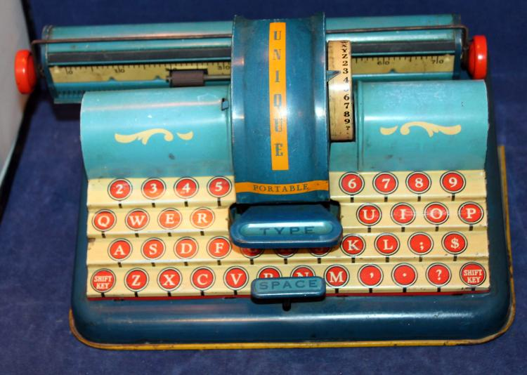 Unique Arts Childs Tin Lithograph Typewriter