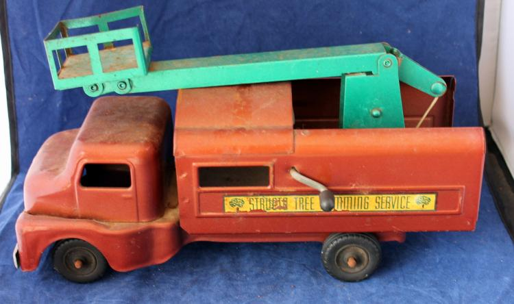 1940's Structo Tree Pruning Service Tin Lithograph Truck