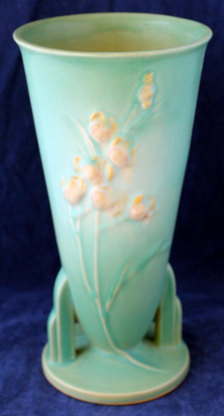 Roseville Pottery Ixia Vase #859-9 Inch USA