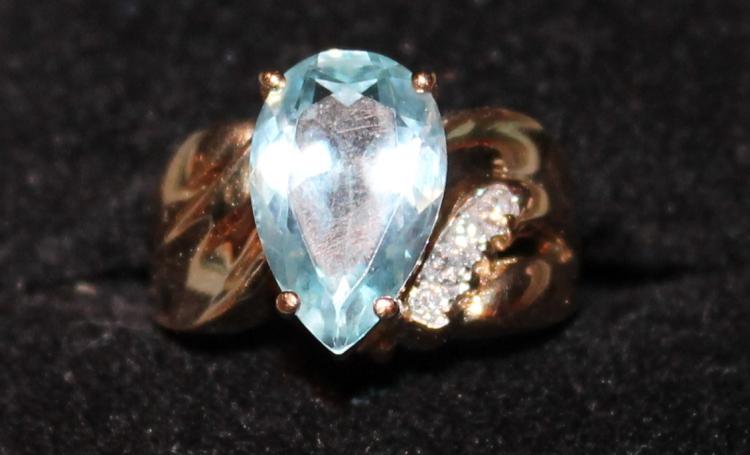 14 KT Gold Ring With Aquamarine Stone