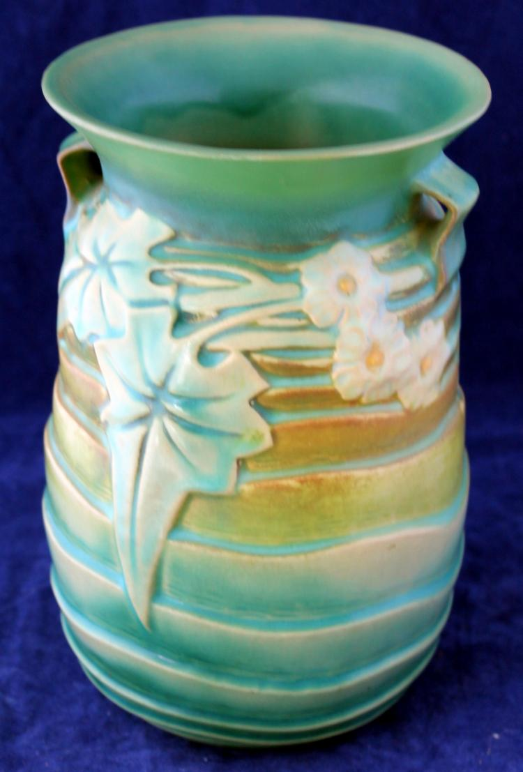 Roseville Pottery Luffa Vase #686-7 Inch USA