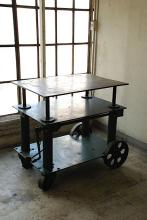 American Industrial Elevating Table