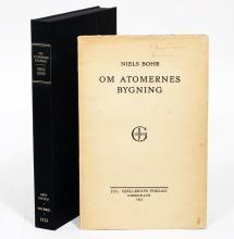 Om Atomernes Bygning [On the Structure of Atoms]