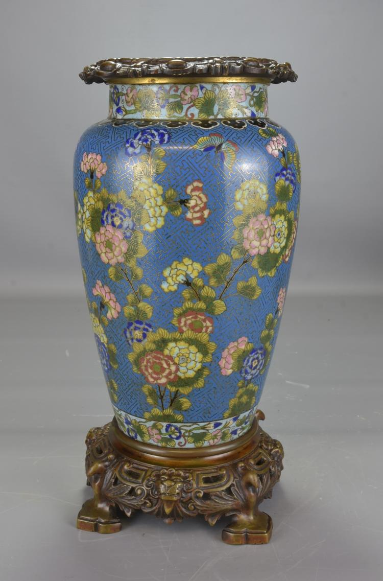 A pair of cloisonne vases with stands for Cloison stand