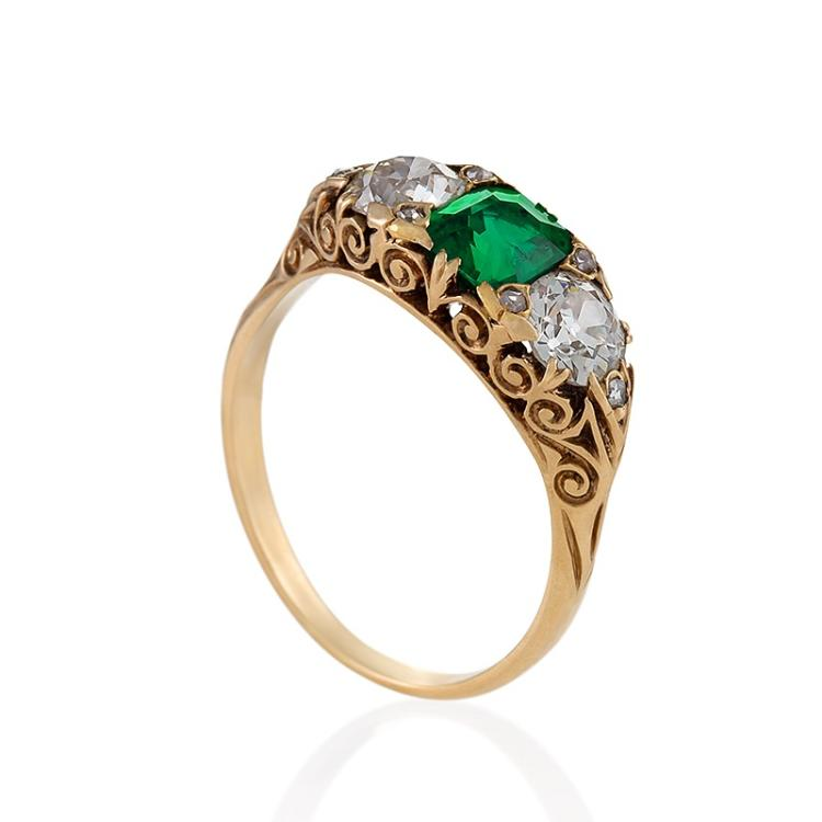 English Antique 18 karat gold ring