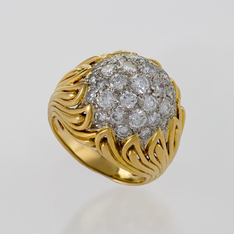 Van Cleef & Arpels Mid-20th Century Diamond and Gold Ring