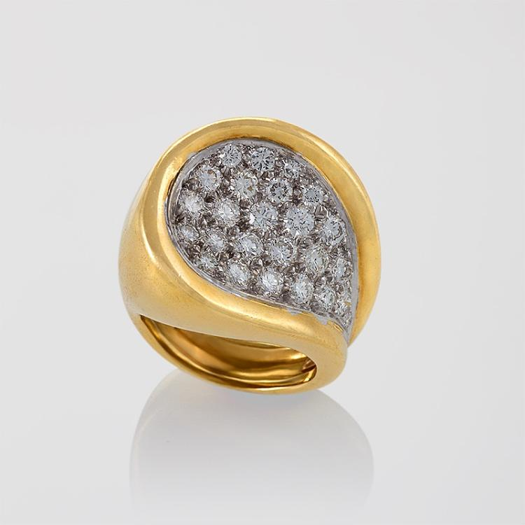 Kutchinsky Mid-20th Century Diamond, Gold and Platinum Ring