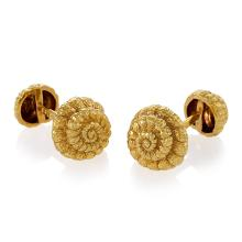 David Webb Late-20th Century Gold Shell Cuff Links