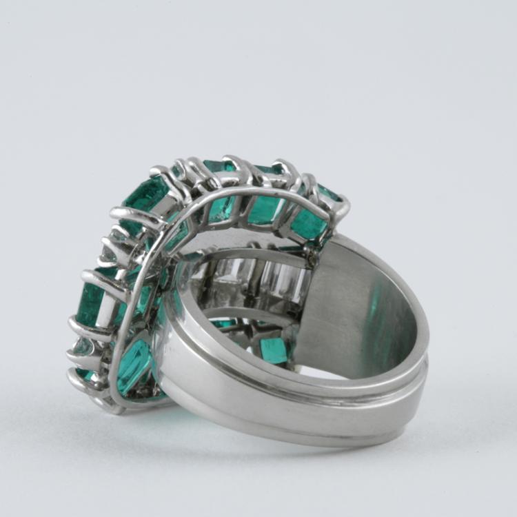 retro emerald and platinum ring