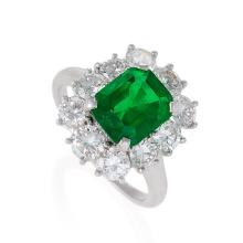 Van Cleef & Arpels Mid-20th Century Emerald, Diamond and Platinum Cluster Ring
