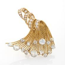 Sterlé Paris Mid-20th Century Diamond and Gold  'Wave'  Brooch