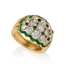 Van Cleef & Arpels Mid-20th Century Diamond, Emerald and Gold Ring