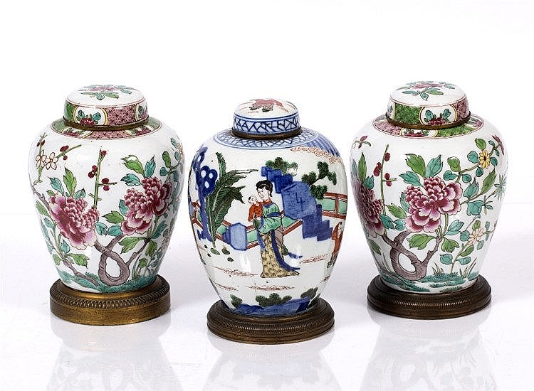 A pair of Sampson Chinese style porcelain ginger jars and covers