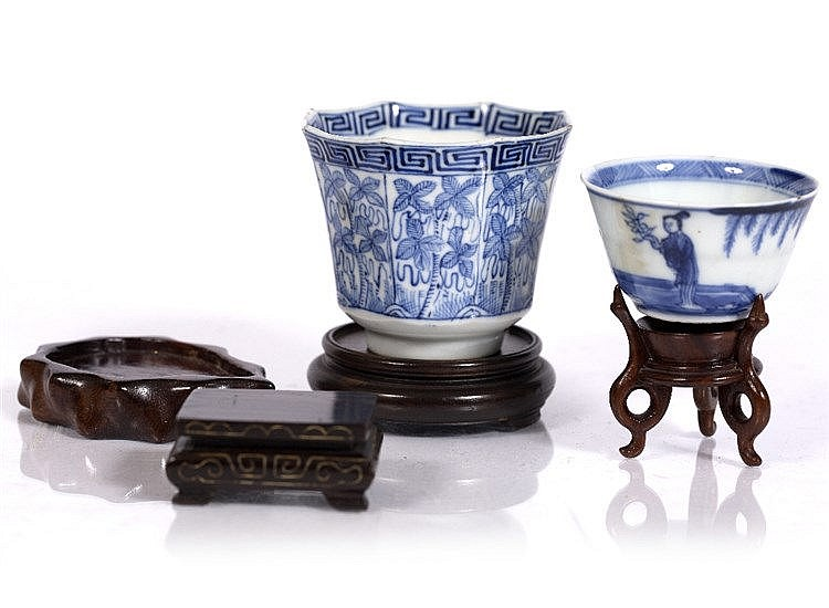 Two Chinese blue and white wine cups