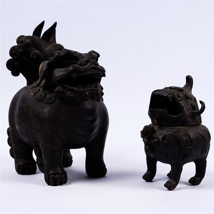 A bronze temple dog