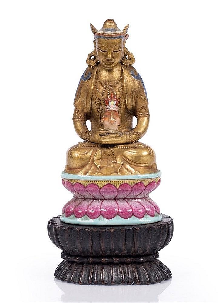 A Chinese porcelain figure of Avalokitesvara