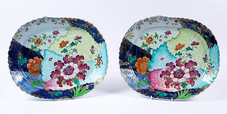 A pair of Chinese famille rose 'Tobacco-leaf' meat plates