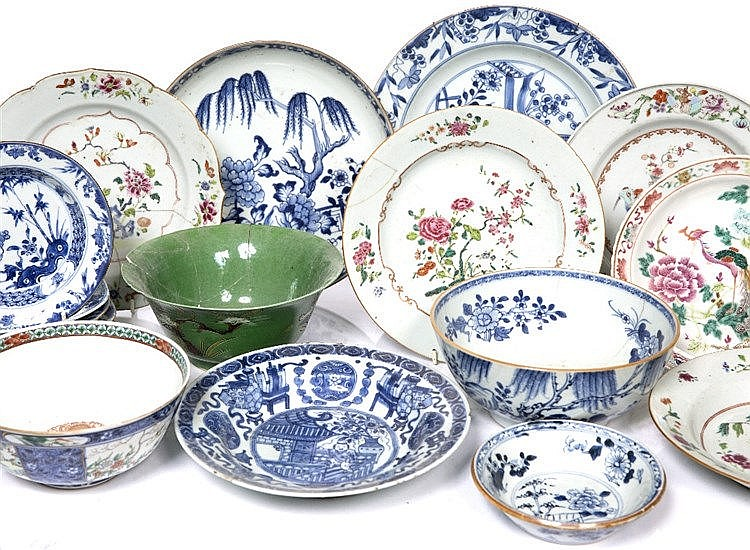 A collection of Chinese various famille rose, blue and white and other pieces
