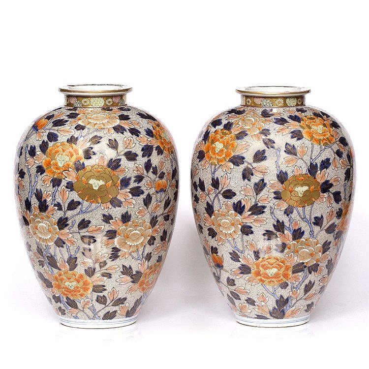 A pair of Japanese Fukagawa vases