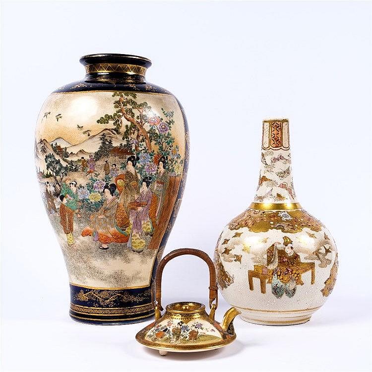 A Japanese Satsuma bottle vase
