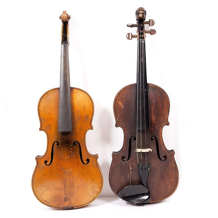 A LATE 19TH CENTURY GERMAN VIOLIN with two piece back labelled 'The Ruggeri