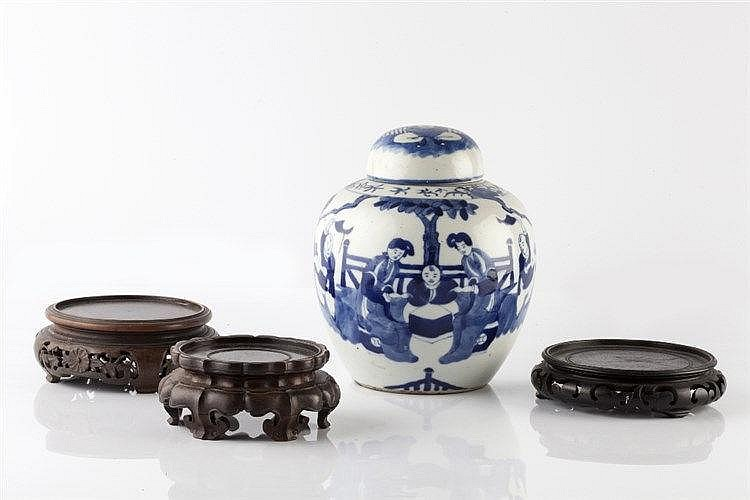 A Chinese blue and white porcelain ginger jar and cover 19th Century h