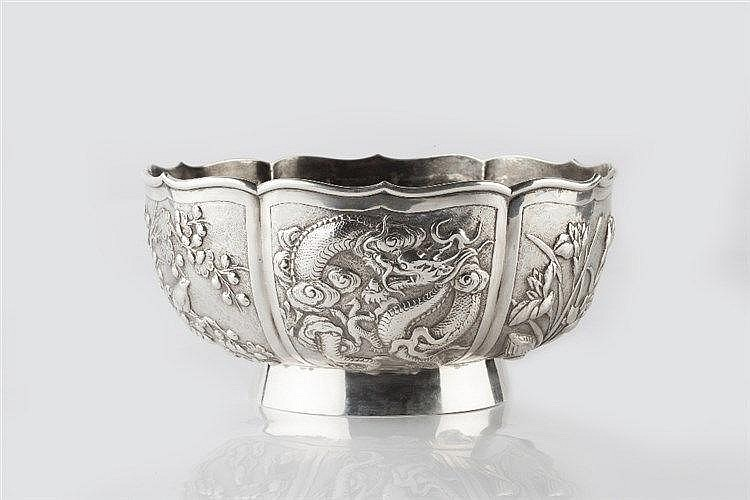 A Chinese silver small rose bowl circa 1900 with alternate panels