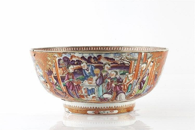 A Chinese Mandarin porcelain bowl 18th Century with central figures to