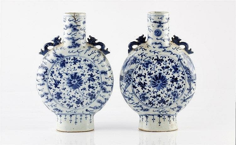 A pair of Chinese blue and white porcelain Ming flasks Guangxu wi
