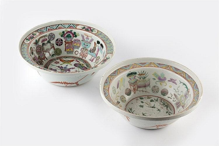 A Chinese Canton circular bowl circa 1900 decorated in enamels wi