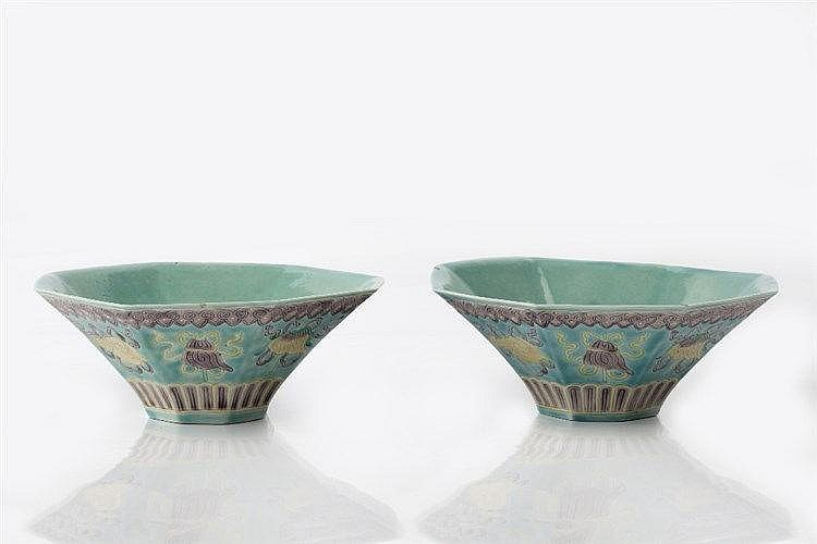 A pair of Chinese octagonal porcelain bowls 19th Century decorated wit