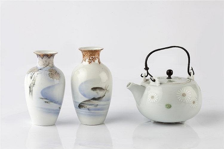Two similar Japanese Fukagawa miniature vases Showa period of bal