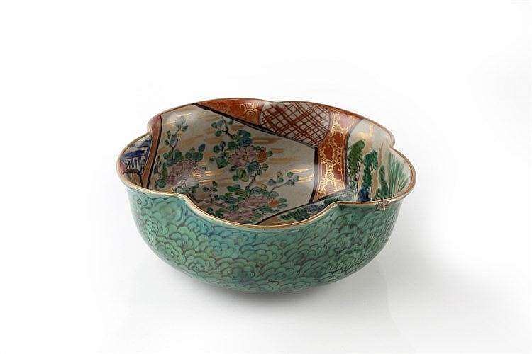 A Japanese Kutani bowl Meiji period signed Kutani, of lobed petal