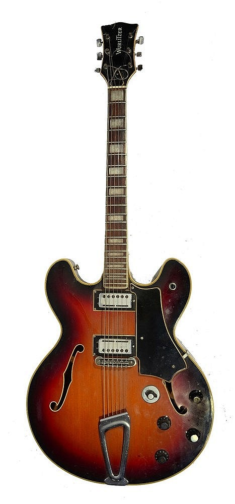 A WASHBURN ELECTRIC GUITAR, numbered 831971.
